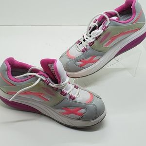 MBT M walk comfort sneaker pink/white size 8.5